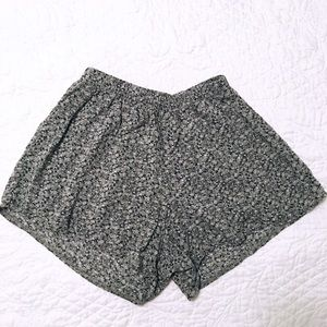Brandy Melville Flowy Green Floral Shorts